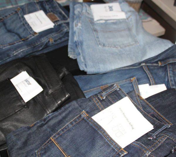 Jeans-Doktor Praxis im Atelier Gali